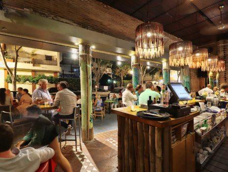 Interior y exterior Gauguin bar Marbella